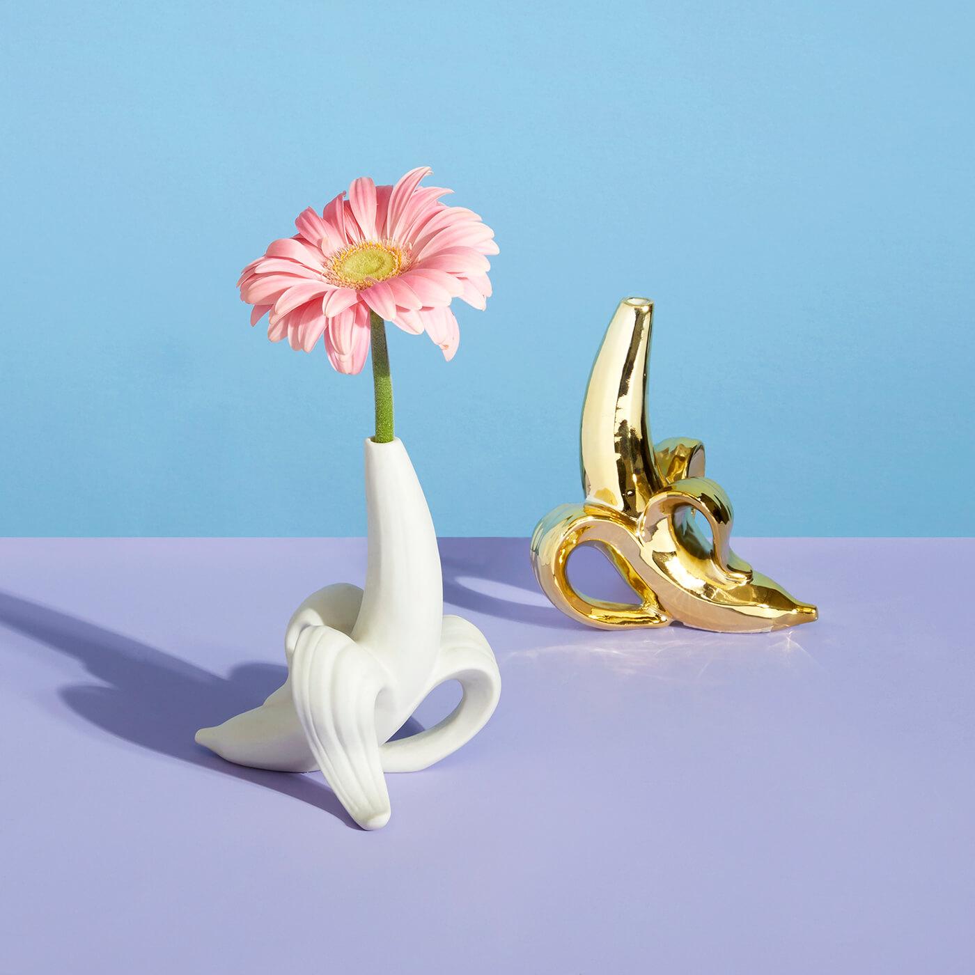 Jonathan Adler Bananen Vase in Gold und Weiss