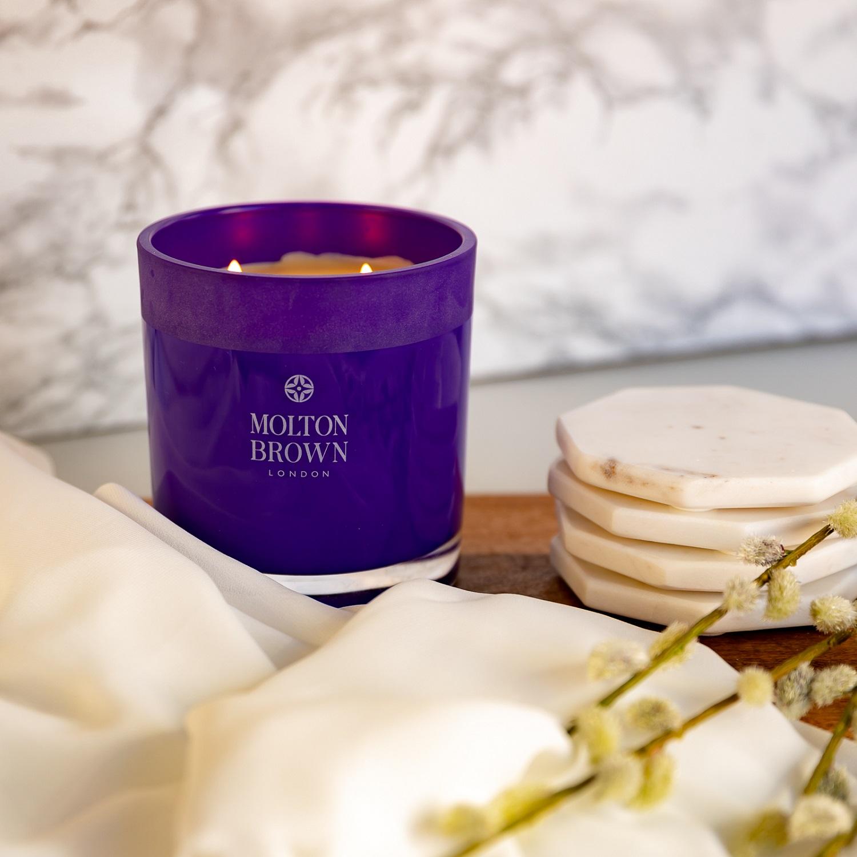 Molton Brown Kerze in lila